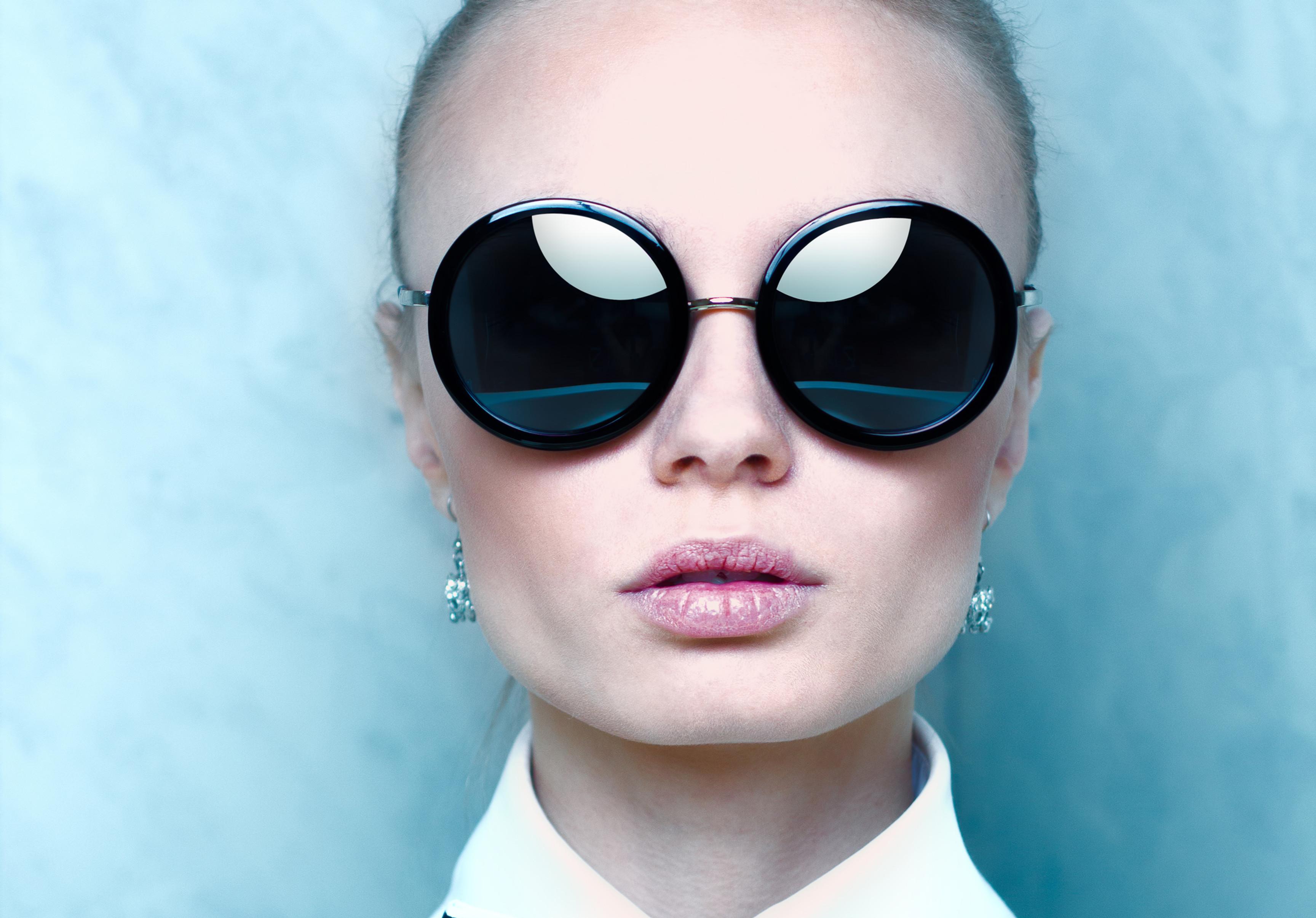Clothing Style advice Basic & Glasses