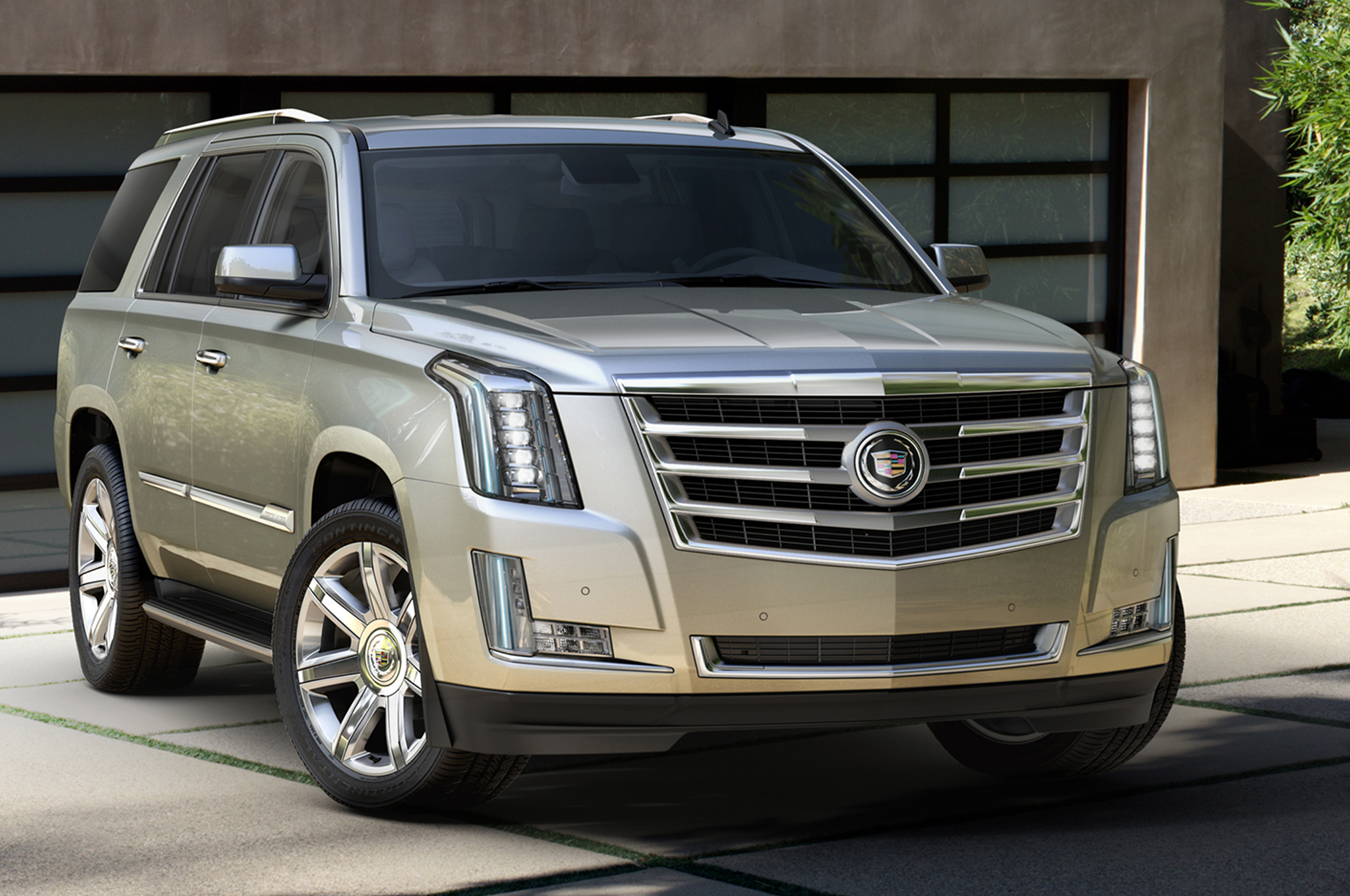 2015-Cadillac-Escalade-front-three-quarters-view-03