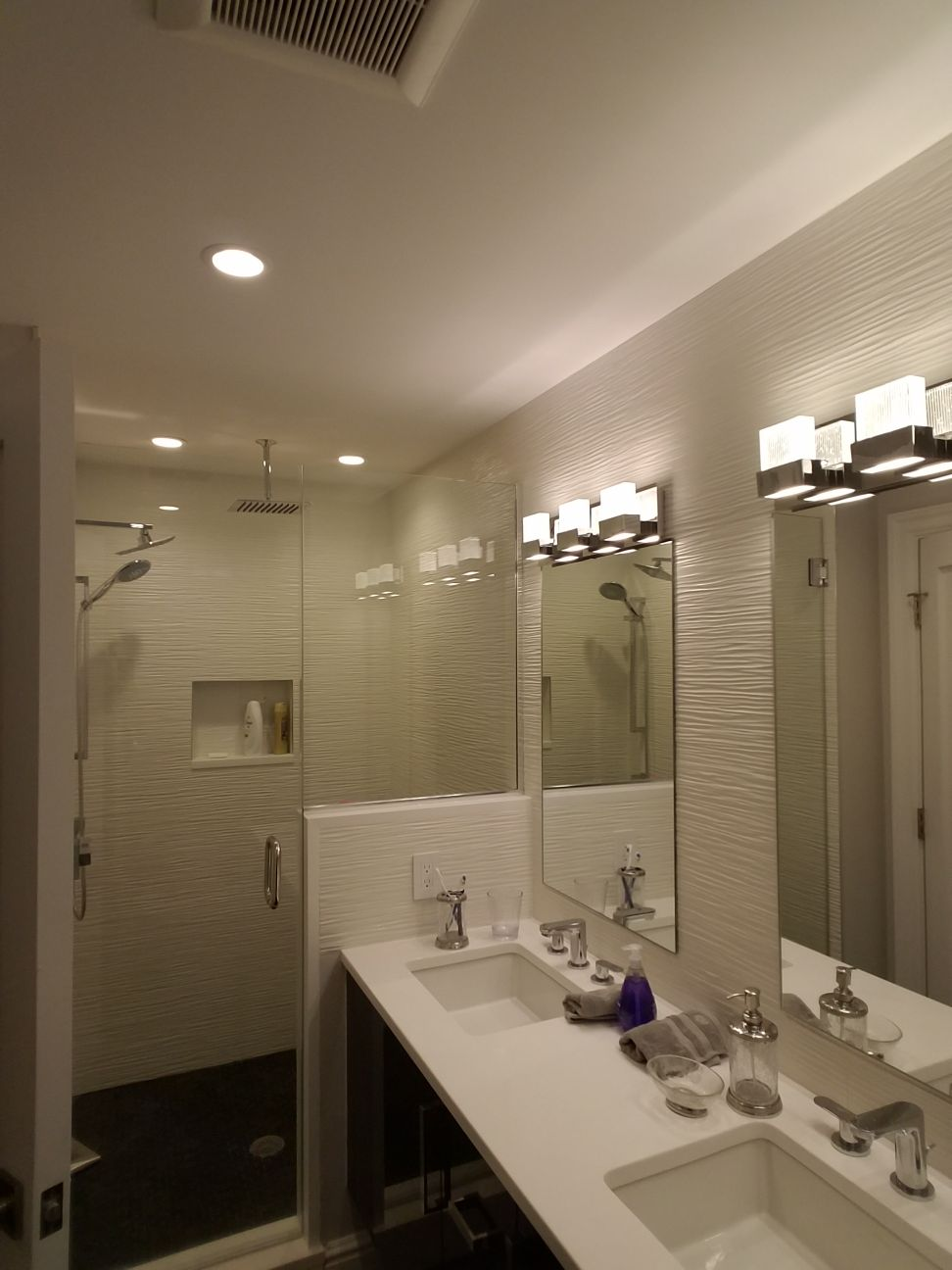 Bathroom 8.19.31 PM (2).jpeg