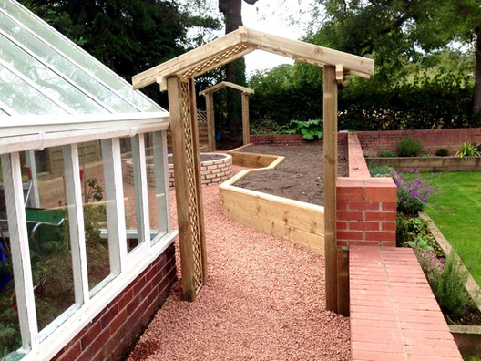 Clent landscaper and patio installation