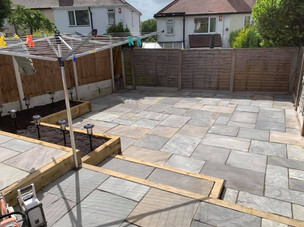 Clent landscaping patio