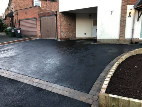 Tarmac and paved driveway in tomsley
