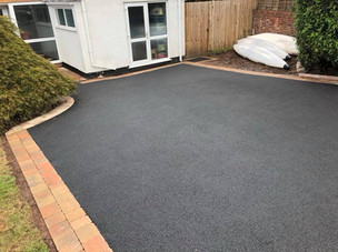 Tarmac and paved driveay in Romsley