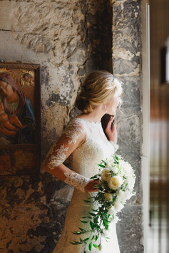 Dundas Castle - Elegant ivory cascading bouquet for beautiful bride
