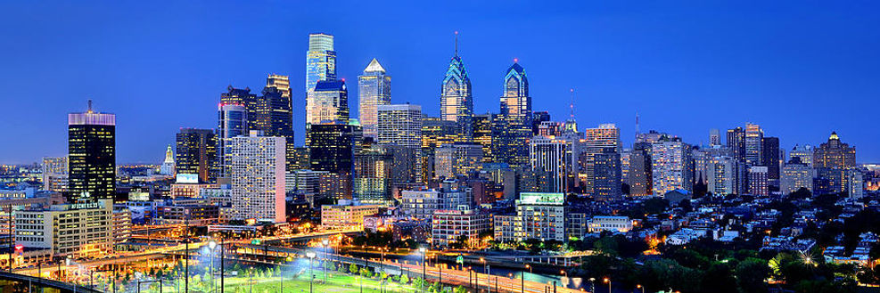 -philadelphia-skyline-at-night-evening-p