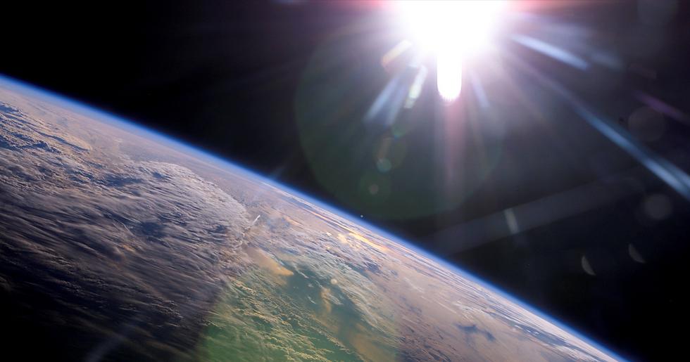 space-engineer-earth-orbit-escape-sun-12