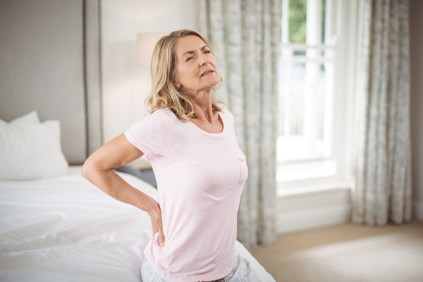 elderly-woman-with-back-pain.jpg