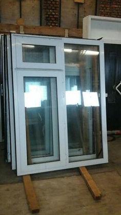 Kunstof kozijn met draai raam en klap raam en dubbel glas