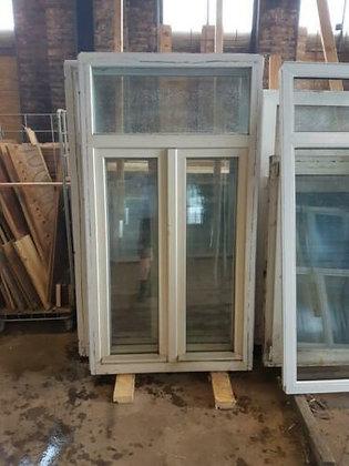 Kunstof kozijn met draai kiep raam en dubbel glas bij De ramen kunnen open boven