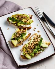 Брускетты с авокадо