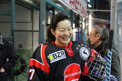 2月8日は特別コーチとして女子アイスホッケー元日本代表の高嶌遥が参加!!