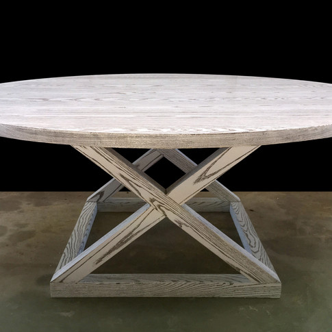 CRISS DINING TABLE