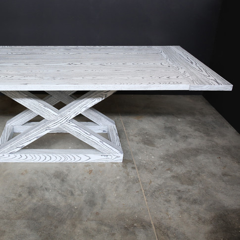 CRISS EXTENSION DINING TABLE
