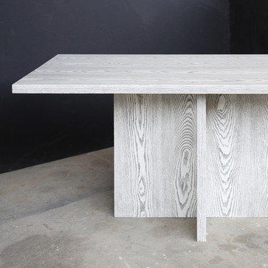CROSS BASE DINING TABLE