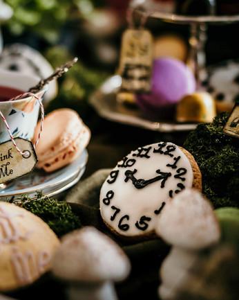 Alice in Wonderland Themed Tea Party Cookies