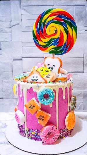 Birthday Drip Cake (Squishy Theme)