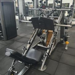 Leg 45° Life Fitness.png