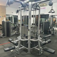 Estação 4 pontas Life Fitness.png