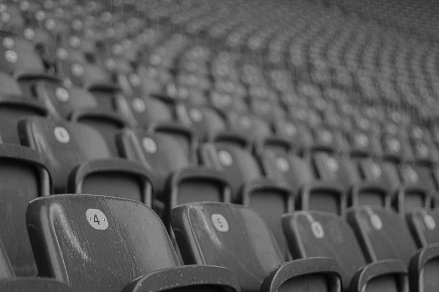 stadium-seats-1509563709XnI.jpg