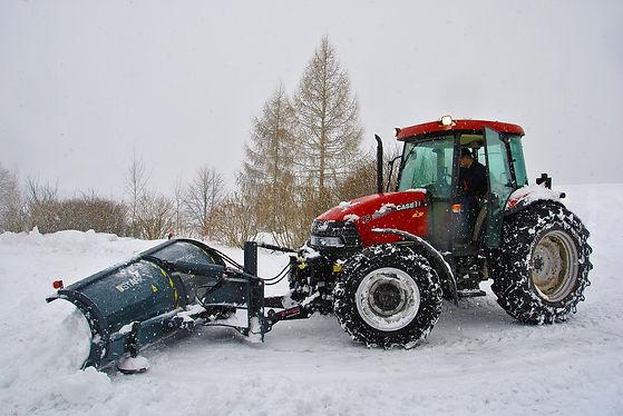 tractor-1998290_1920.jpg