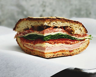 肉とチーズのサンドイッチ