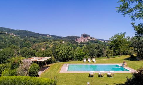 Swimming pool overlooking Cetona
