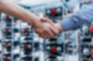 it-business-handshake-having-a-deal-in-t