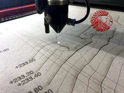 decoupe et gravure laser de carton