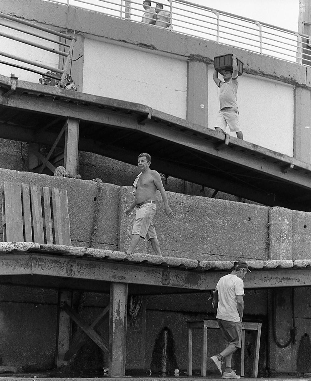 Man walking. Porto de Manaus, Brasil