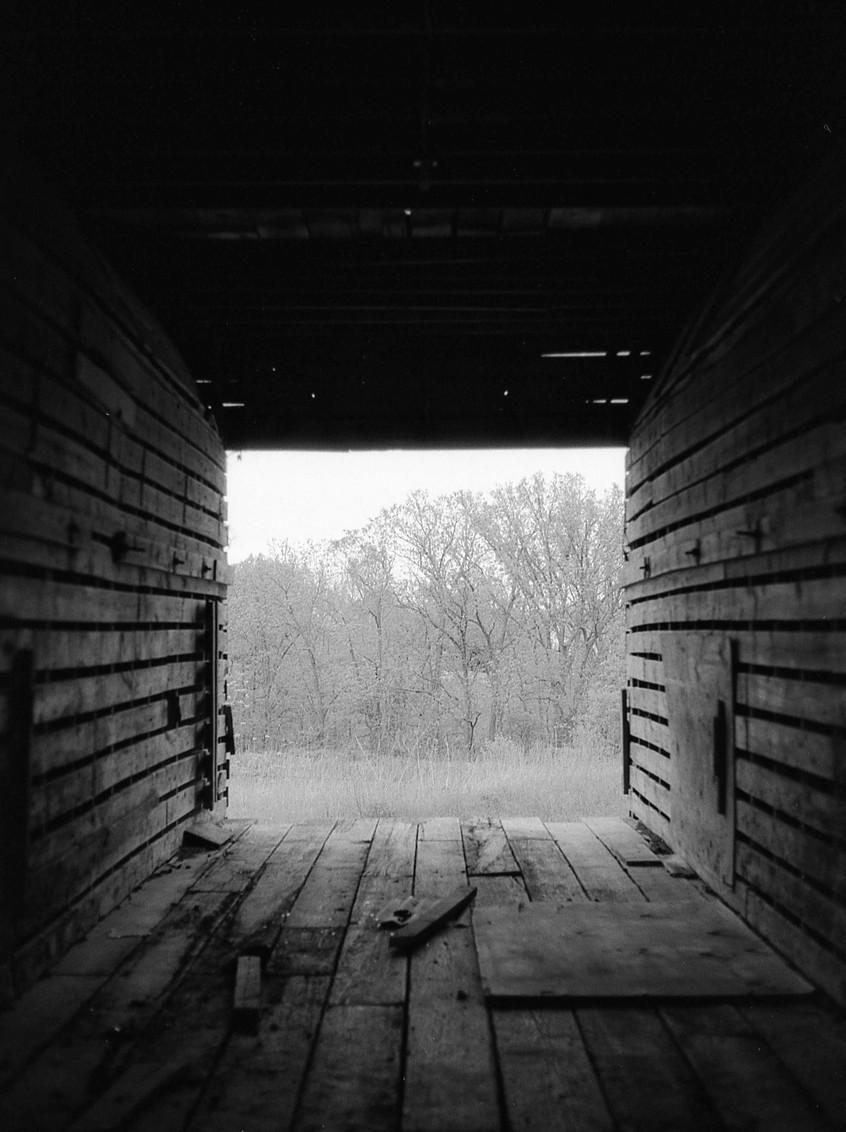 Abandoned barn in Illinois.