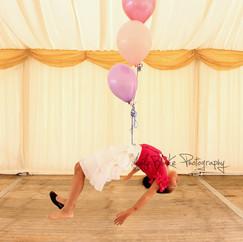 Floating Girl, Balloons