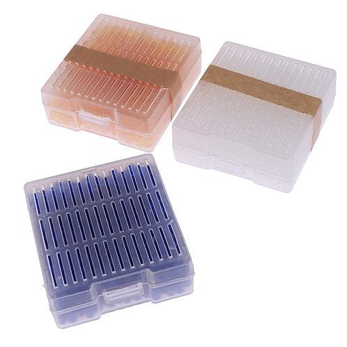 Škatlice z silikon gelom, ki vpija vlago.