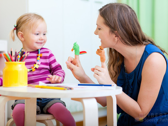 Ćwiczenia logopedyczne dla trzylatków i czterolatków – bawcie się razem w domu.