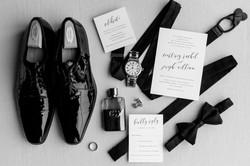timeless-classic-detroit-garden-theater-wedding-photo-1-3