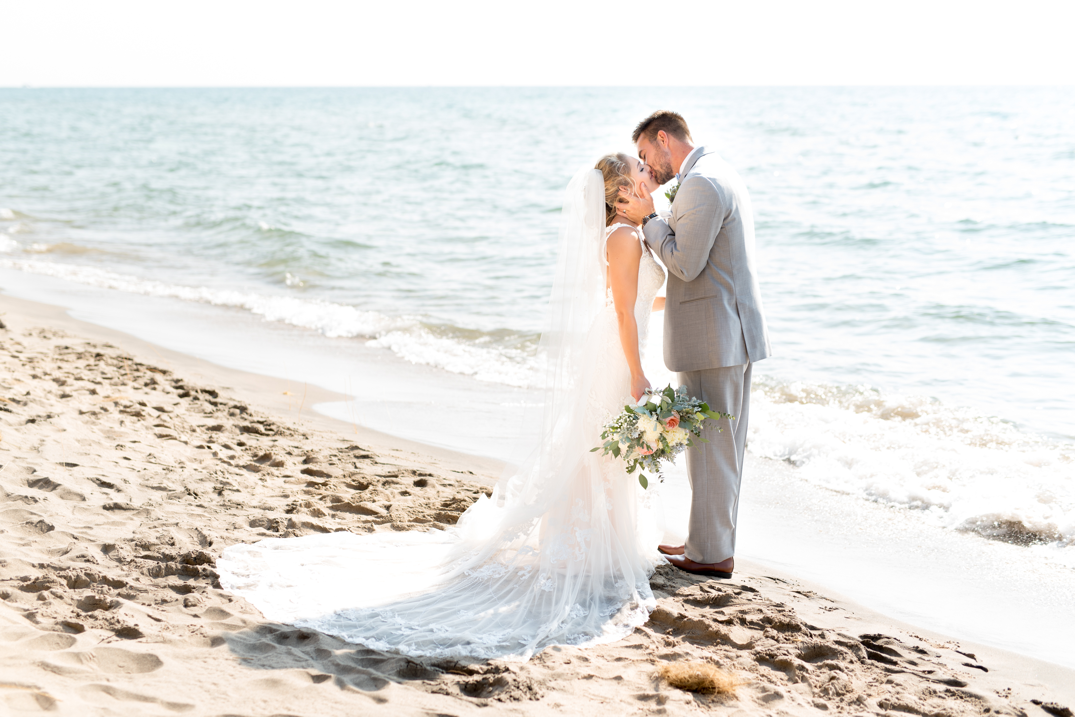 boatwerks-holland-lake-michigan-waterfront-outdoor-beach-wedding-photo-578