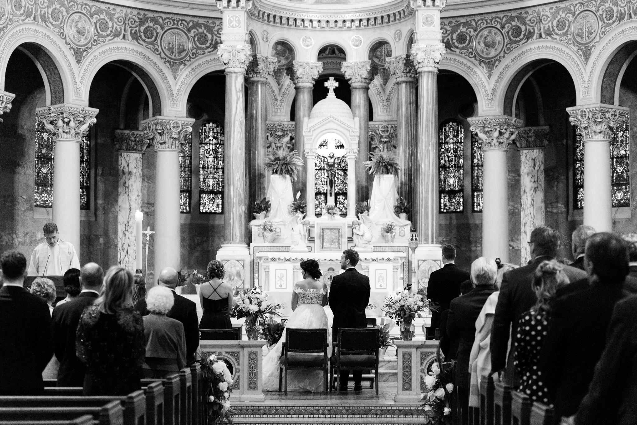 classic-detroit-garden-theater-wedding-photo-120