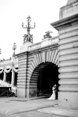 destination-pont-alexandre-III-bridge-paris-france-wedding-photo-5