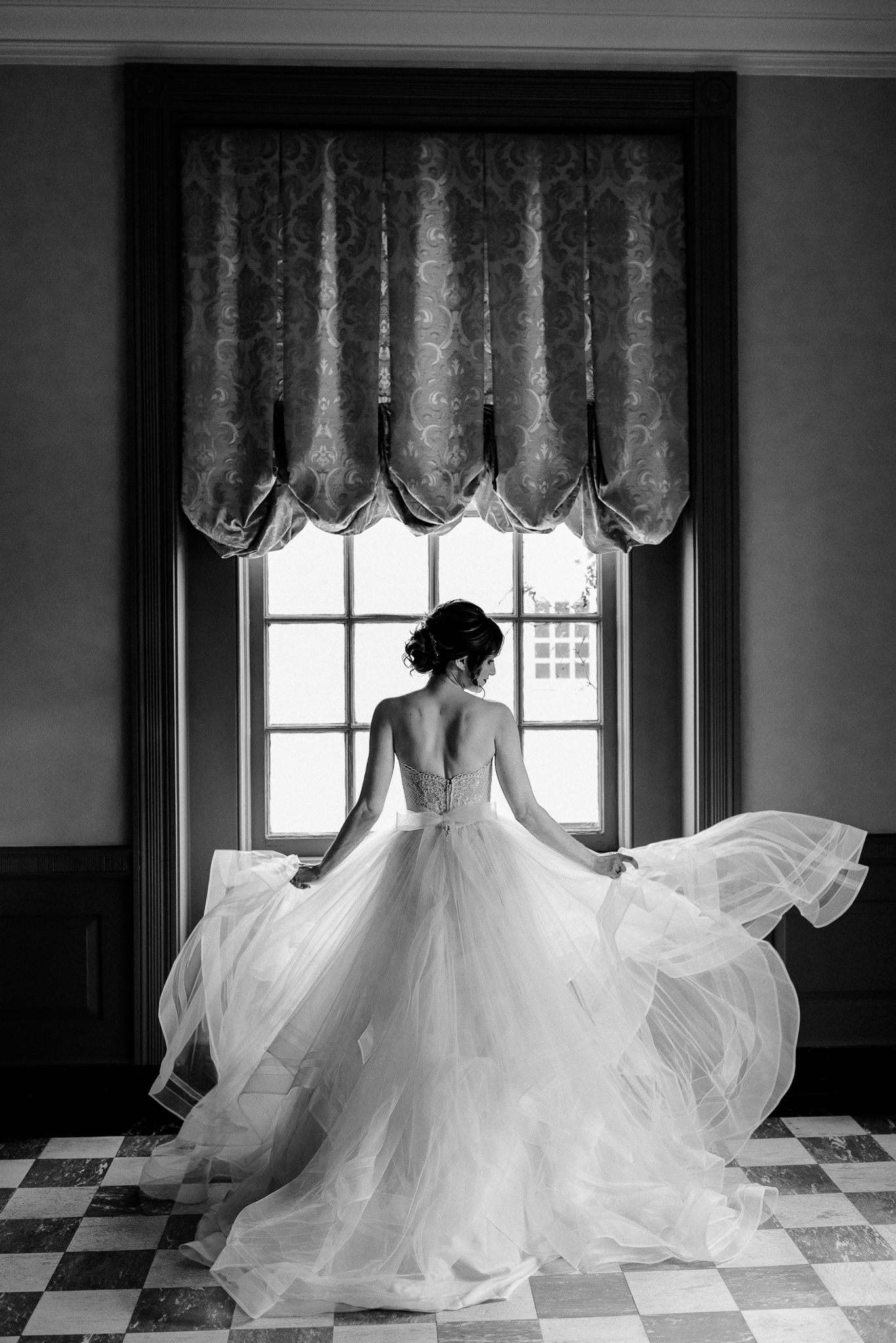 classic-timeless-high-end-luxury-the-henry-ford-lovett-hall-wedding-photo-44