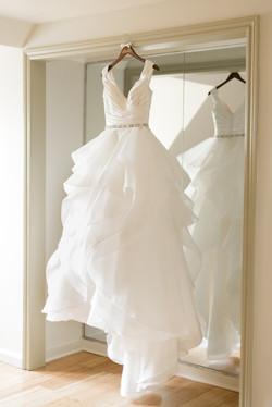 Pine-knob-mansion-clarkston-michigan-provate-estate-winter-wedding-photo-3
