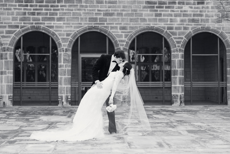 elegant-classic-high-end-dia-detroit-institute-art-wedding-photo-1-16