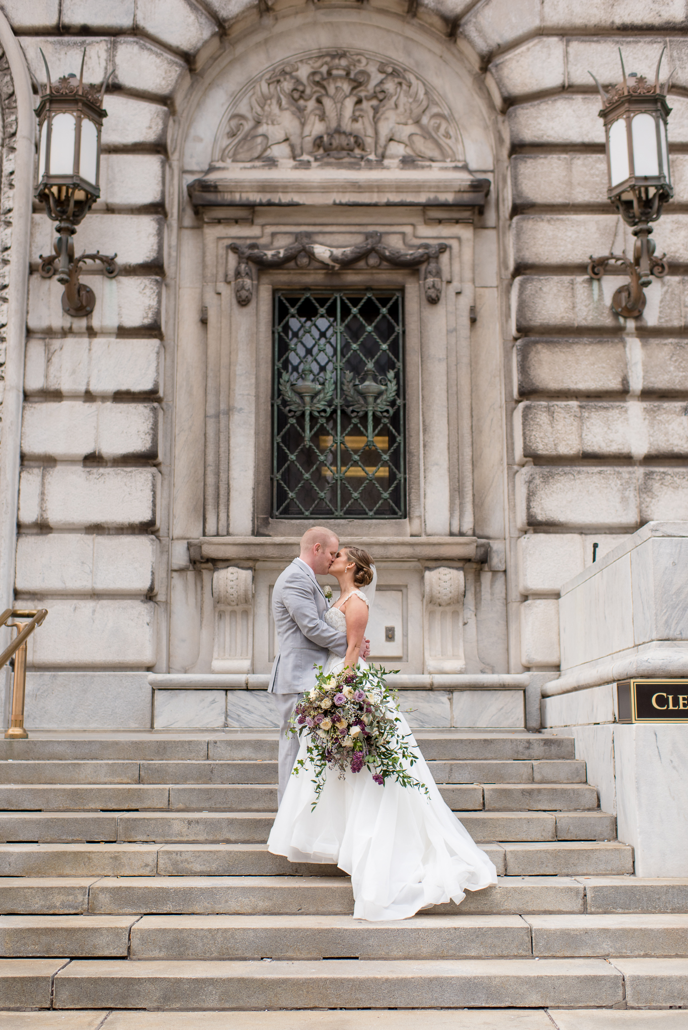 city-downtown-cleveland-public-library-wedding-photos-138