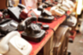Old%20telephones%20in%20a%20row_edited.j