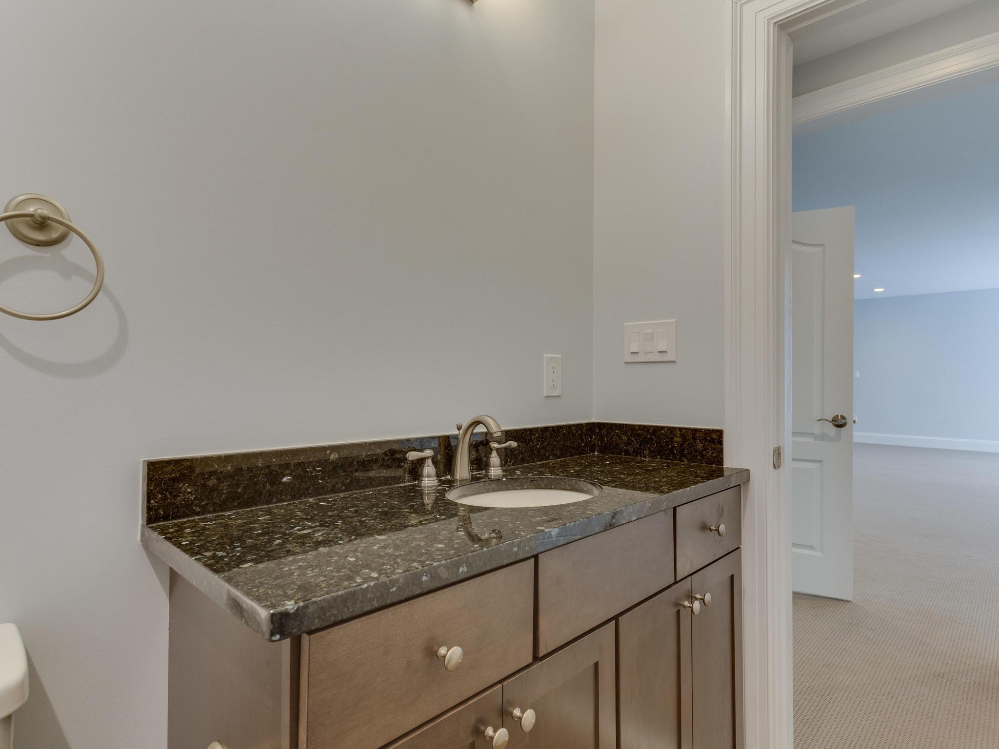 110 Melody Ln SW Vienna VA-MLS_Size-106-70-Bathroom-2048x1536-72dpi
