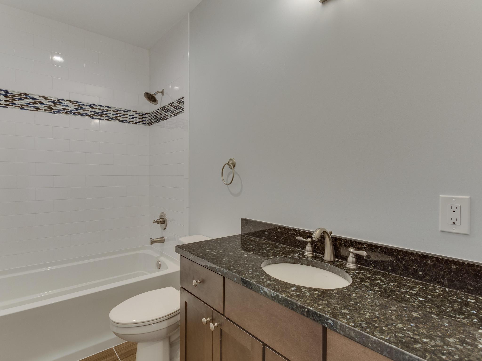 110 Melody Ln SW Vienna VA-MLS_Size-104-76-Bathroom-2048x1536-72dpi
