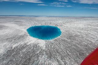 Blue melt lake on the Inland ice sheet