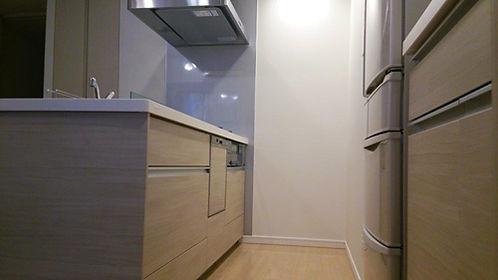 収納とキッチン.jpg