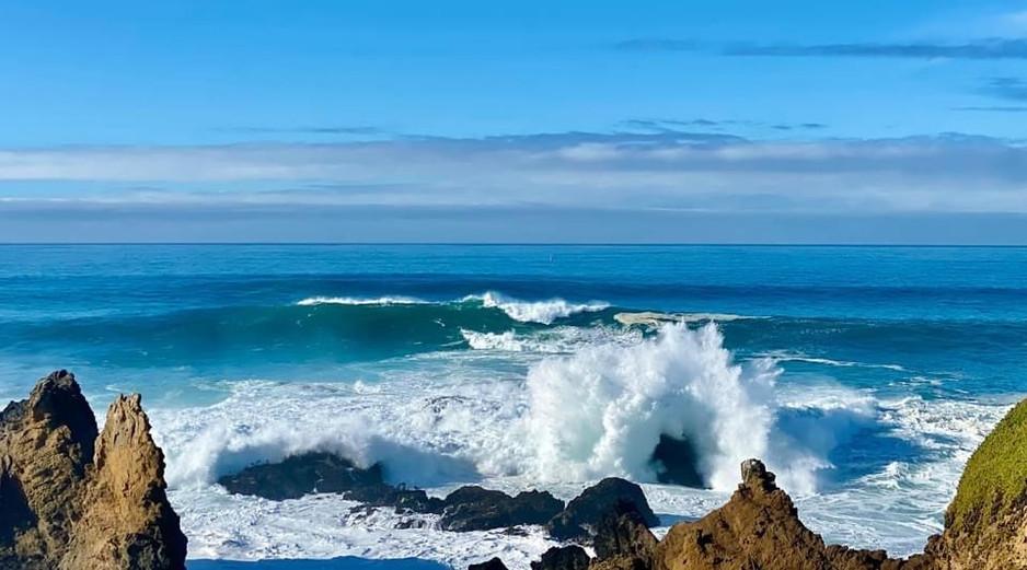 Mendo Coast waves