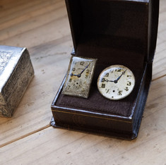 antique dials pierced earrings with box.