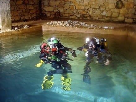 Cave Diving - Pena