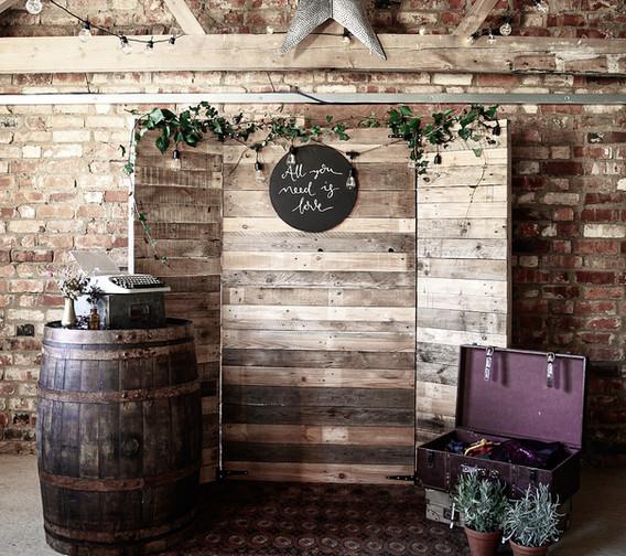 DIY Rustic Photobooth